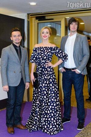 Юлианна Караулова в наряде от бренда Beloe Zoloto, премия MUSICBOX 2013
