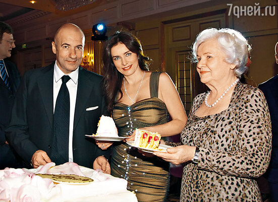 Игорь Крутой с женой Ольгой и тещей Ниной Николаевной