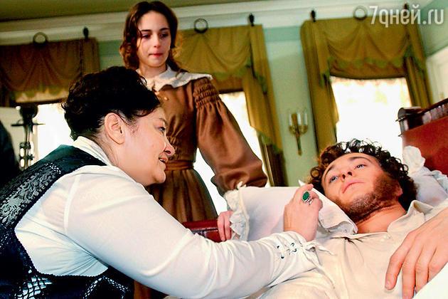 Анна Снаткина с Натальей Бондарчук и Сергеем Безруковым на съемках фильма «Пушкин. Последняя дуэль»