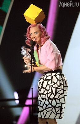 Самая главная и престижная награда – в номинации «Видео года» – досталась Кэти Перри