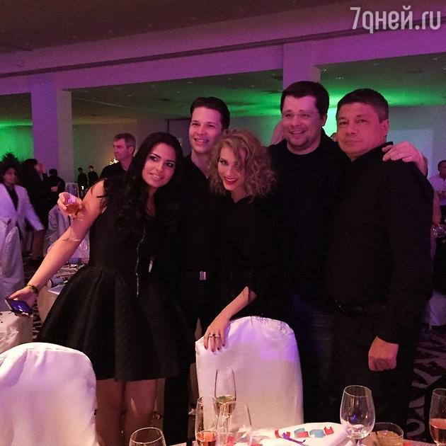 Кристина Асмус с семьей Гарика Харламова