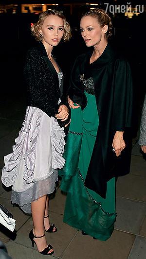 Ванесса Паради с дочерью Лили-Роуз