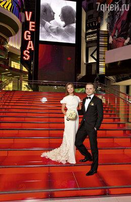 На свадьбе Юли и Саши была своя красная дорожка на Таймс-Сквер