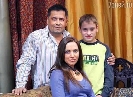Николай Расторгуев с семьей