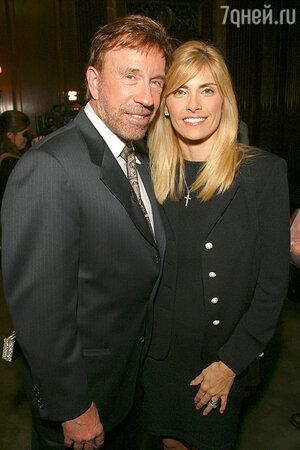 Чак Норрис с женой Джиной