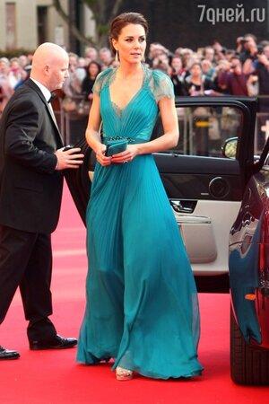 Кейт Миддлтон в платье от Jenny Packham на концерте в честь Олимпийских игр