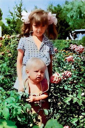 Вера Брежнева со старшей сестрой