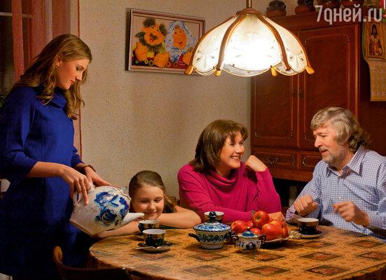 Екатерина Васильева с семьей
