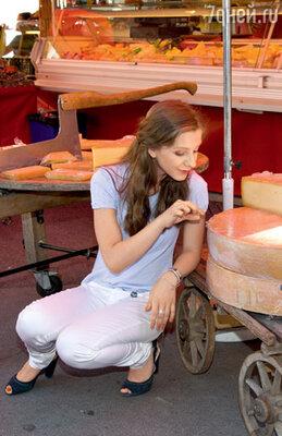 Сырные ряды городского рынка произвели на Лизу большое впечатление