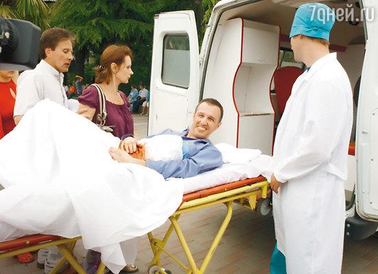 Игорь Верник с «ножевым ранением»: искусственная кровь вперемешку с печеньем, оставшимся от обеда