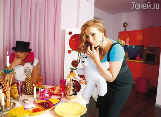 Телеведущая Анфиса Чехова не сомневается, что все диеты только вредят здоровью. Надо просто питаться разумно, с удовольствием!