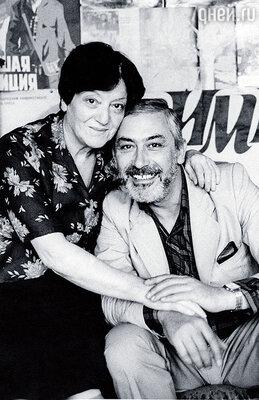 Ирина Кебадзе — счастье. Моя жена особенный человек, ей равных нет. Столько лет выдерживать жизнь со мной — другая бы точно с ума сошла!