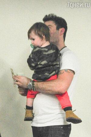 Брайан Остин Грин (Brian Austin Green) с сыном Ноа (Noah)