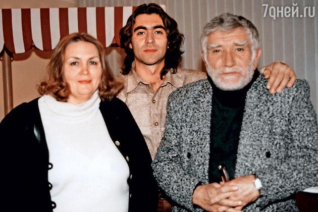 Армен Джигарханян с женой Татьяной и ее сыном Степаном