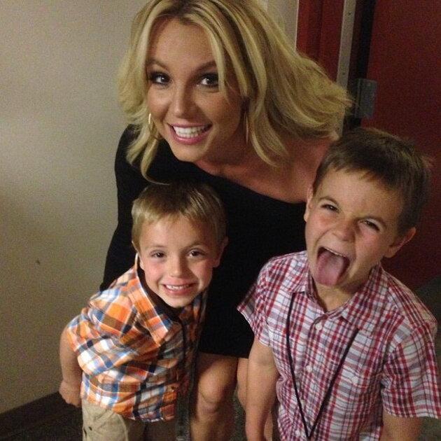 Бритни Спирс с сыновьями Шоном и  Джейденом