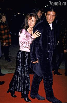 Антонио Бандерас с первой женой Аной Лесой. 1994 г.