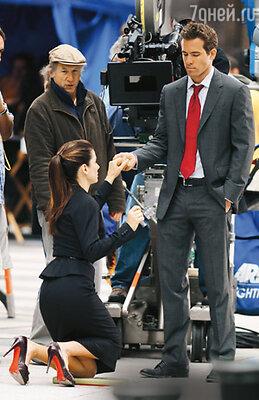 С Райаном Рейнолдсом на съемках фильма «Предложение». Нью-Йорк, 2008 г.
