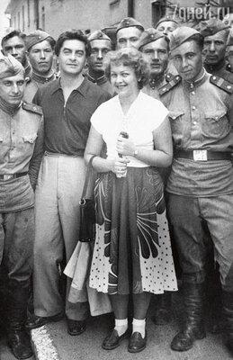 «Людмила Целиковская вложила всю душу в «Таганку». А когда они сЮрием Петровичем развелись, ее имя было вычеркнуто из истории театра»