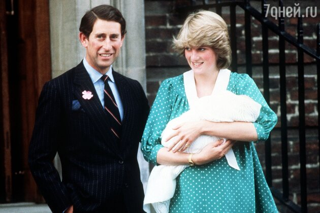 Принц Чарльз и принцесса Диана с новорожденным принцем Уильямом