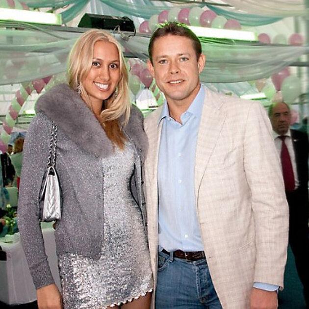 Павел Буре с супругой Алиной