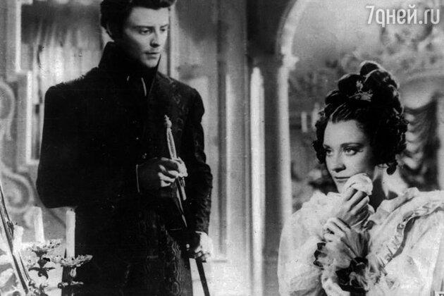 Жерар Филип и Мария Казарес в фильме «Пармская обитель». 1948 г.