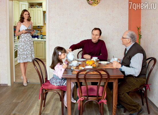 Валерий Александрович Баринов в гостях у сына Егора, его жены Ксении и внучки Полины