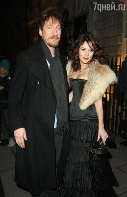 С женой Анной Фрил