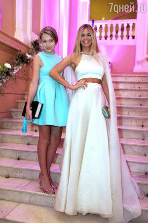 Вера Брежнева с дочерью Соней