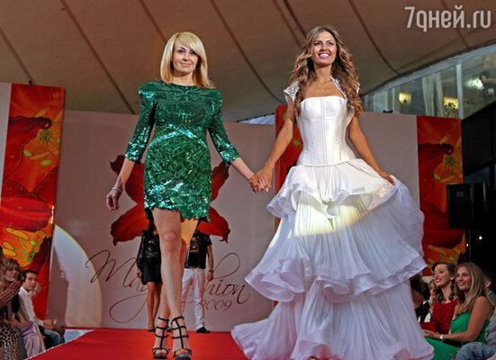 Продюсер Яна Рудковская и Виктория Боня (слева направо)