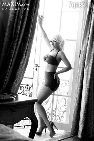 Кристина Агилера снялась в фотосессии для американского издания журнала Maxim в сентябре 2013 года
