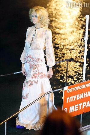 Модель из новой коллекции pret-a-porte  Антонины Шаповаловой