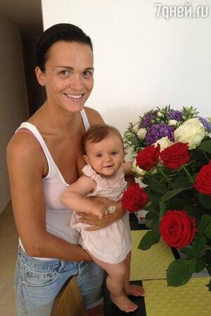 Слава и ее младшая дочка Антонина