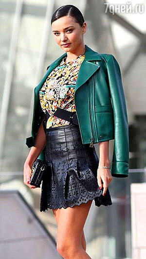 Миранда Керр на показе Louis Vuitton