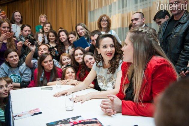 Москву вновь посетила кумир 1990-х, звезда сериала «Дикий ангел», певица, дизайнер Наталия Орейро