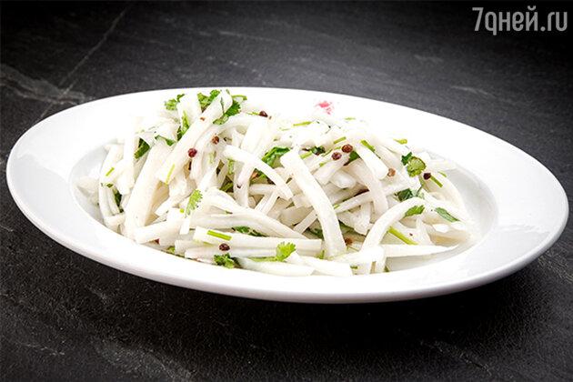 Полезный витаминный салат «Соен Лабук»: рецепт от шеф-повара Пемпа Дхондупа