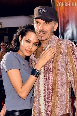Джонни безумно ревновал любимую кэкс-супругу Анджелины Джоли Билли Бобу Торнтону 2000 г.