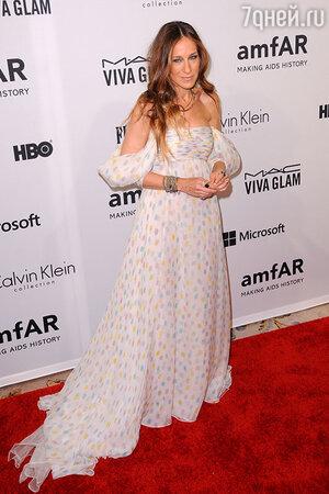 Сара Джессика Паркер в платье Schivarelli