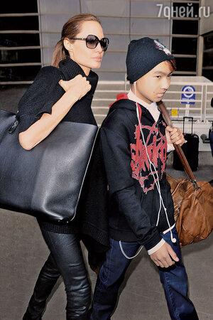 Анджелина Джоли со старшим сыном Мэддоксом