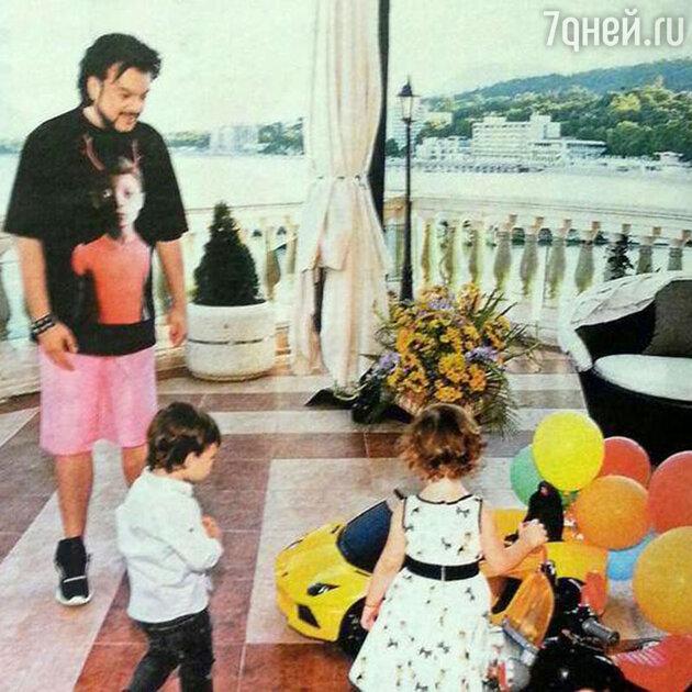Филипп Киркоров c детьми