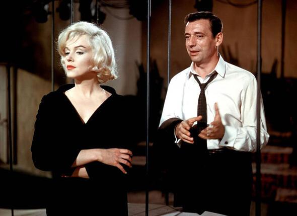 Вспоминая о романе с Монро, Монтан говорил, что эта история для него имела много негативных последствий. Кадр из фильма «Давай займемся любовью», 1960 г.