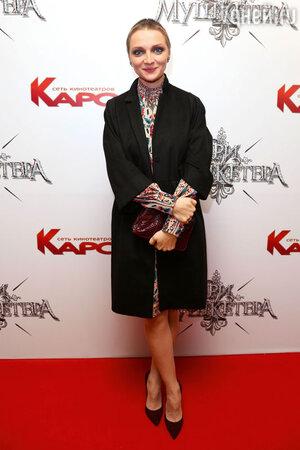 На премьере фильма «Три мушкетера» Екатерина Вилкова  появилась в скрывающей формы одежде