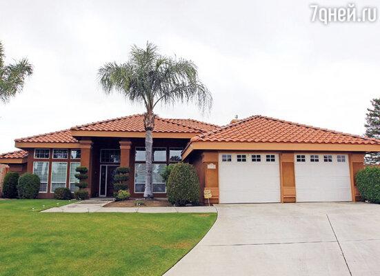 В 2010 году Шварценеггер купил домработнице особняк стоимостью около $268 000