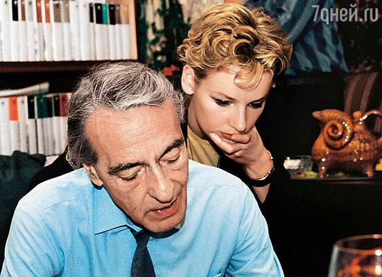 Учась в институте, Жанна стала часто общаться с отцом