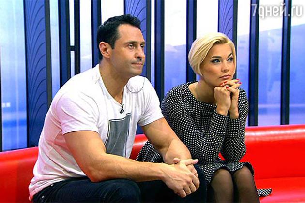 Шоу «Черно-белое», Стас Костюшкин с супругой Юлией