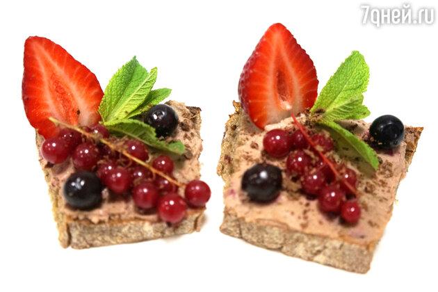 Бутерброды с клубникой, смородиной и шоколадом: рецепт для пикника