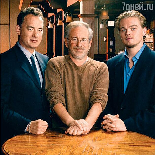 Стивен Спилберг с Томом Хэнксом и Леонардо Ди Каприо на съемках «Поймай меня, если сможешь». 2002 г.