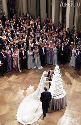 Во время свадьбы Метте-Марит было страшно думать, что за каждым ее  шагом, улыбкой, жестом следит вся Норвегия