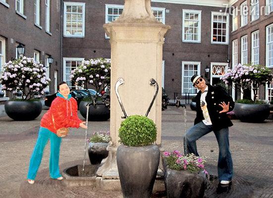 К этому фонтану в центре Амстердама приходят молодожены