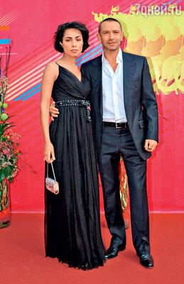 Четвертый брак Владимира Машкова— с актрисой Оксаной Шелест — продержался три года