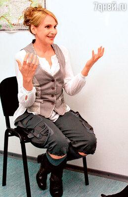 Людмила Артемьева на пресс-конференции в Нижнем Новгороде. 2007 г.